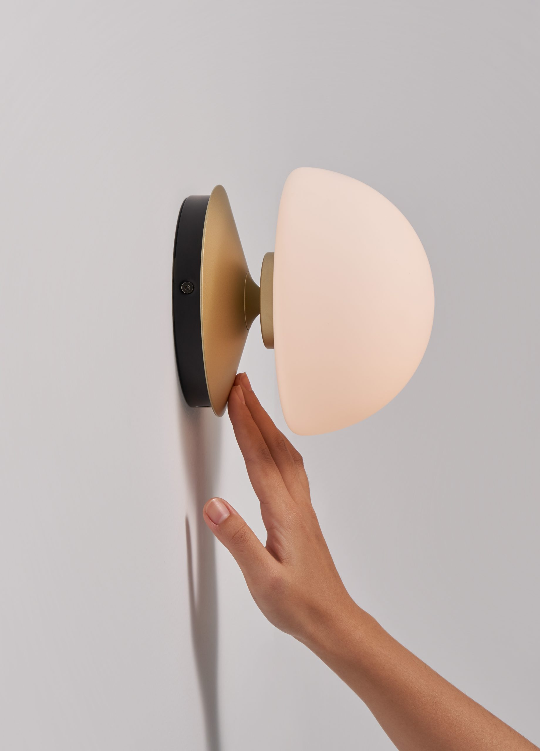 Pensee Wall Sconce